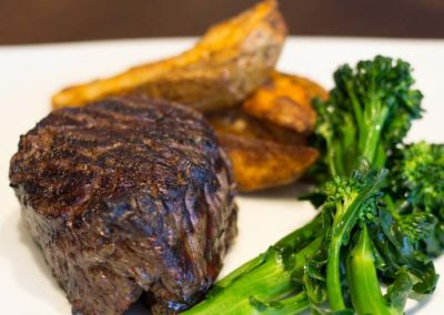 odonnells-market-what-we-offer-butcher-filet-grilled-broccolini-potato-wedges-2